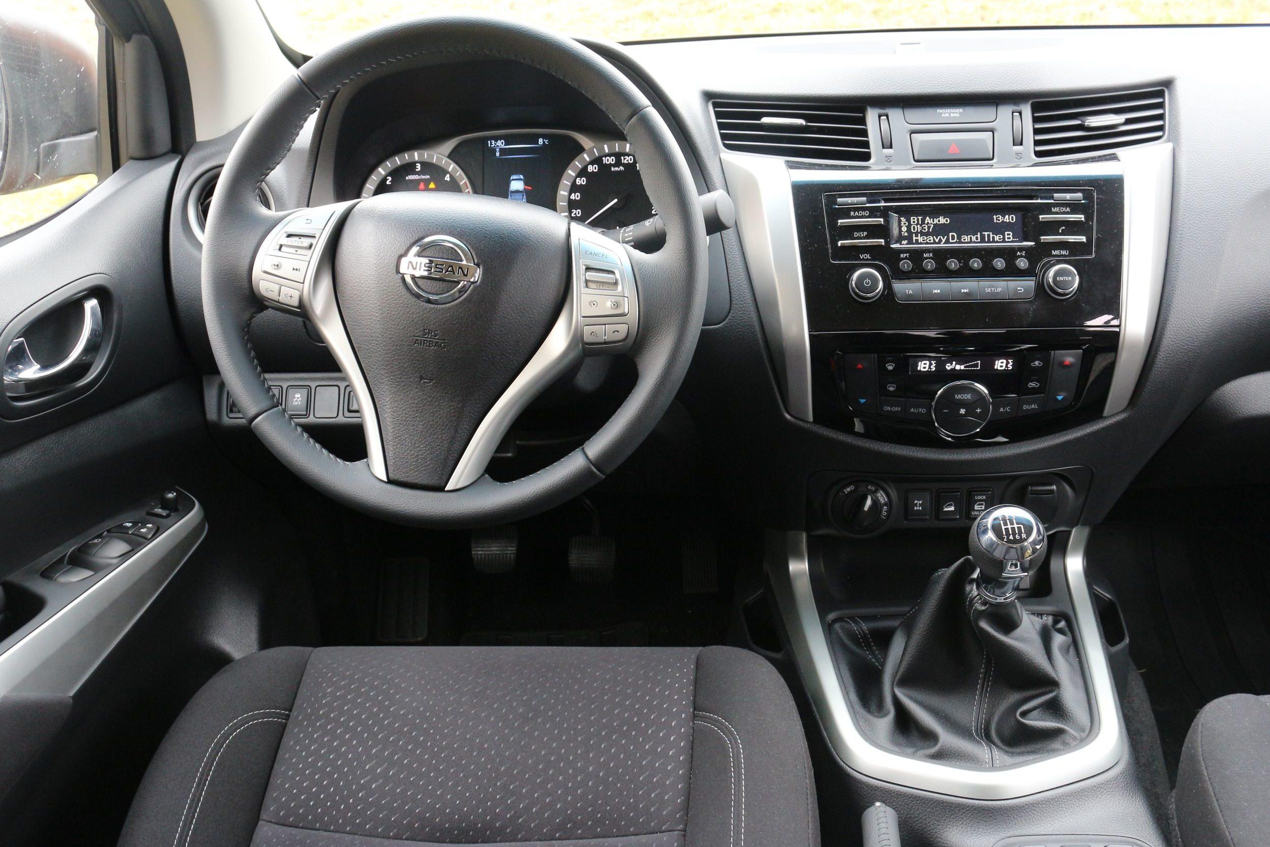 Nissan Navara belső