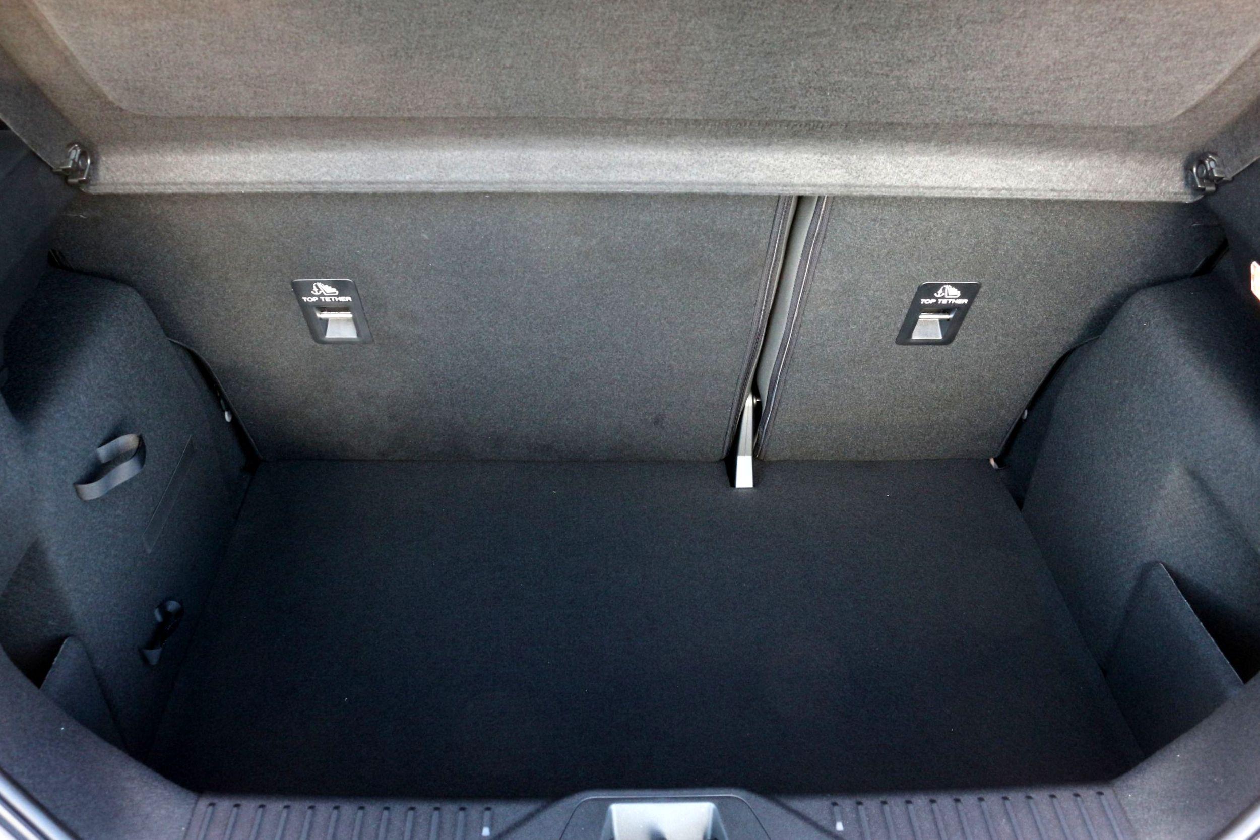 Ford Fiesta csomagtartó