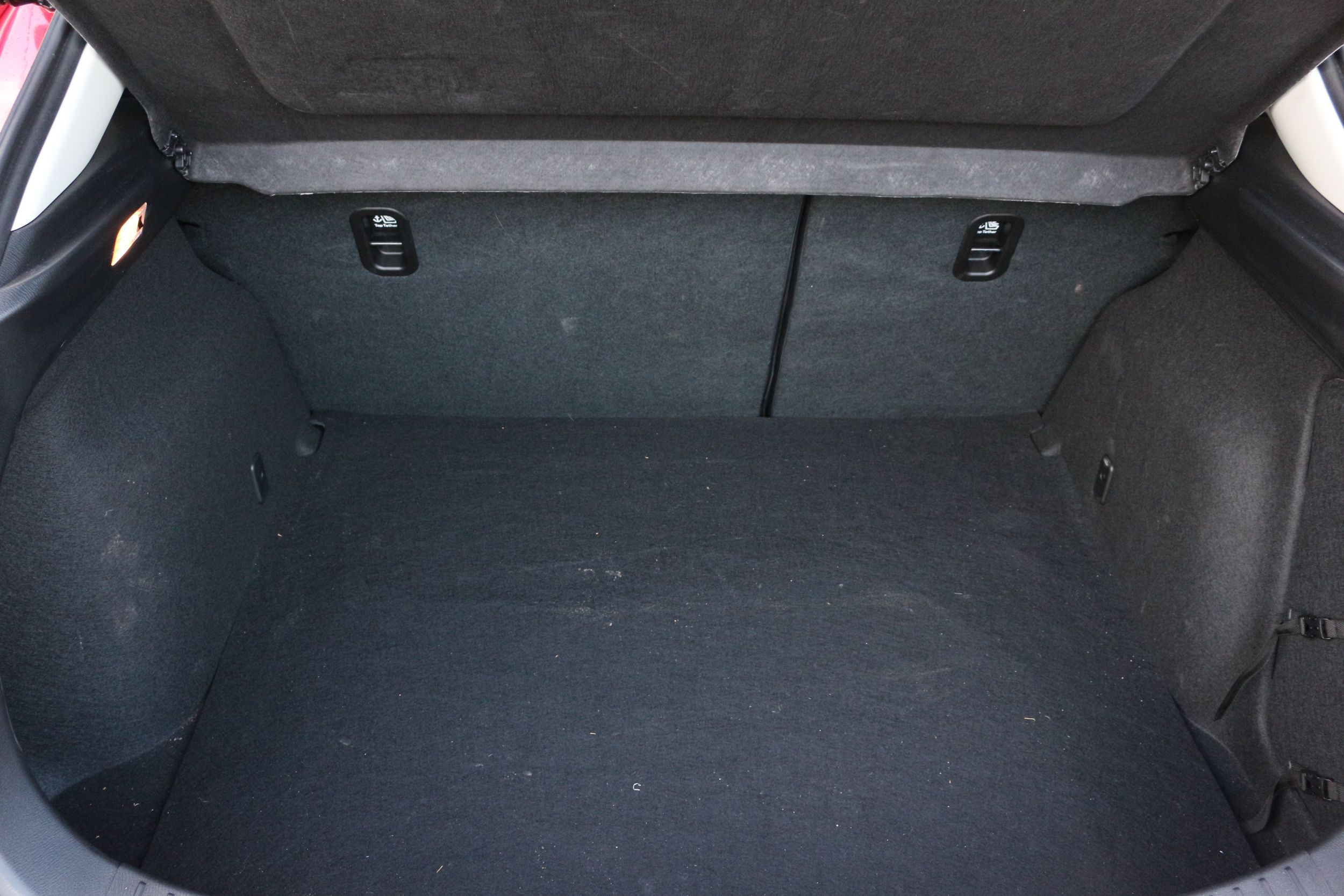 Mazda3 csomagtartó