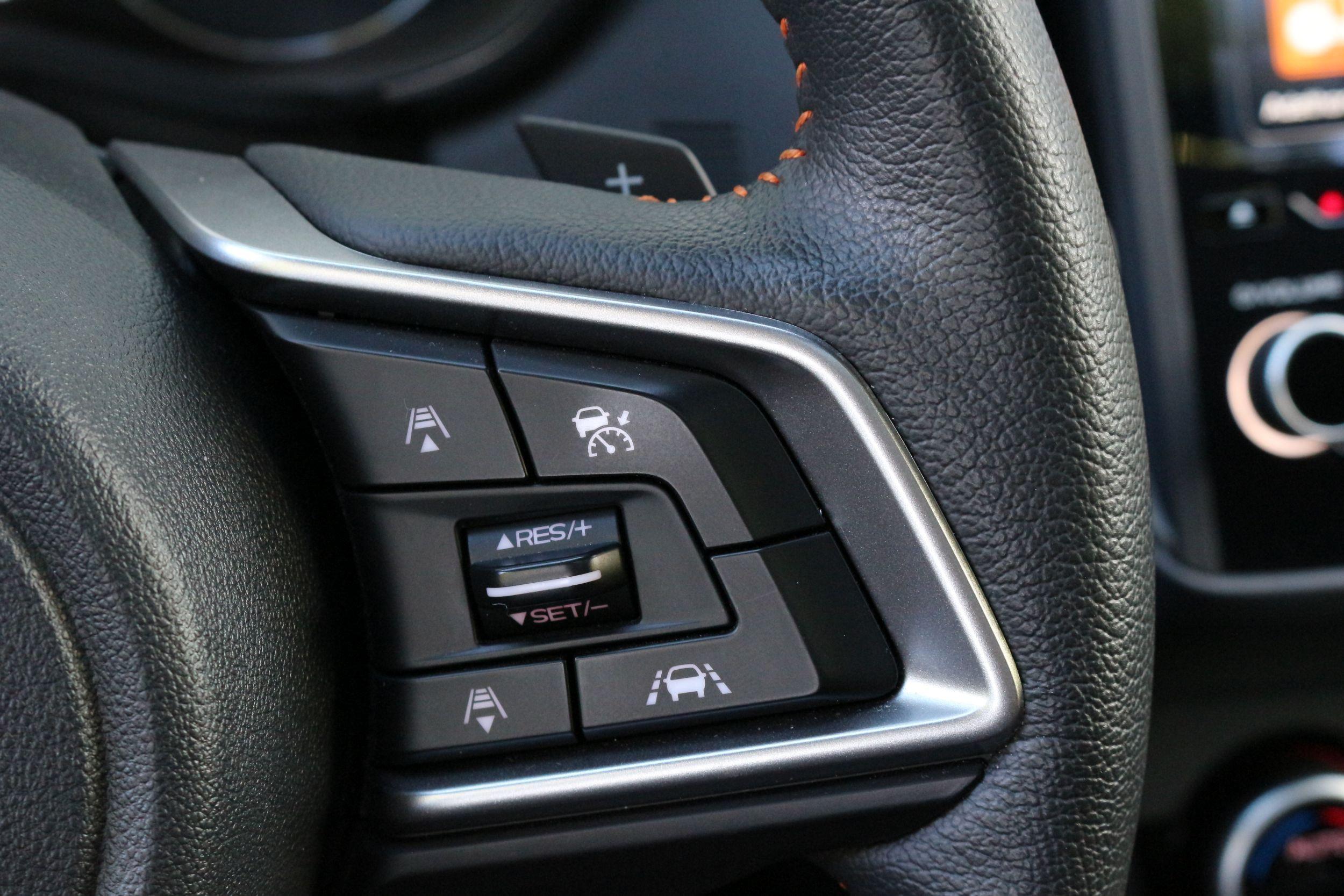 Subaru XV kormány