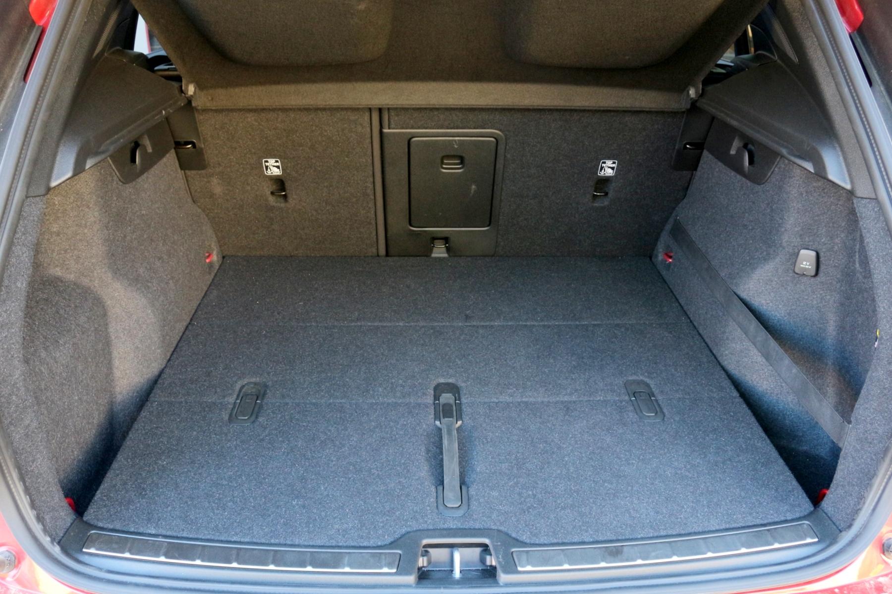 Volvo xc40 csomagtartó