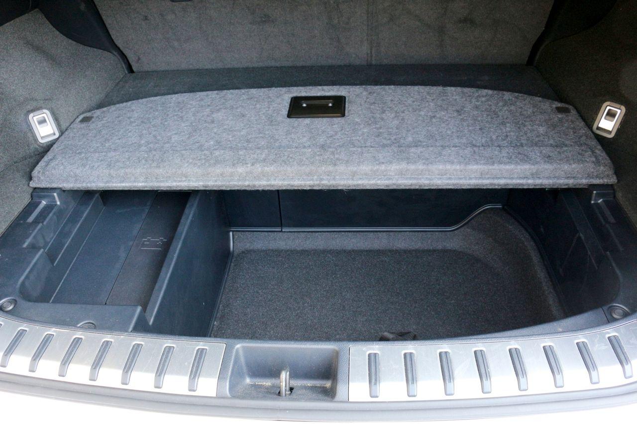 Lexus nx 300h csomagtartó