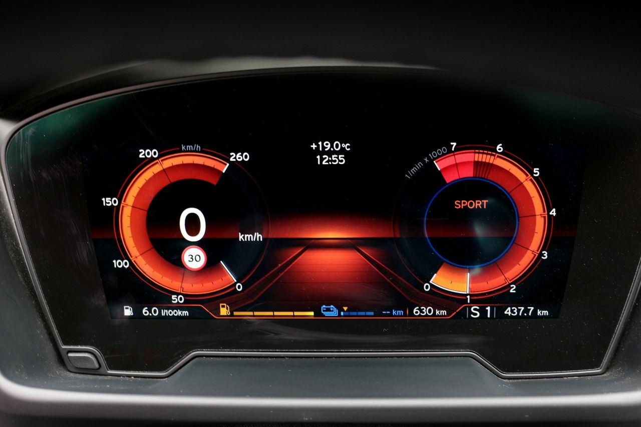 BMW-i8 Roadster műszerfal