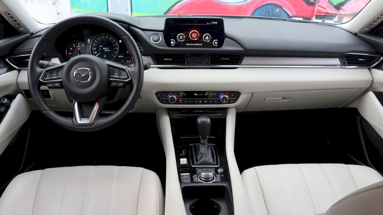 Mazda6 belső
