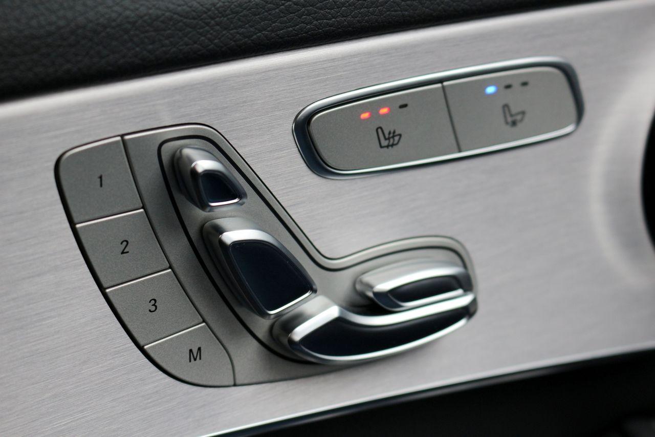 Mercedes-Benz C220d ülés állítás