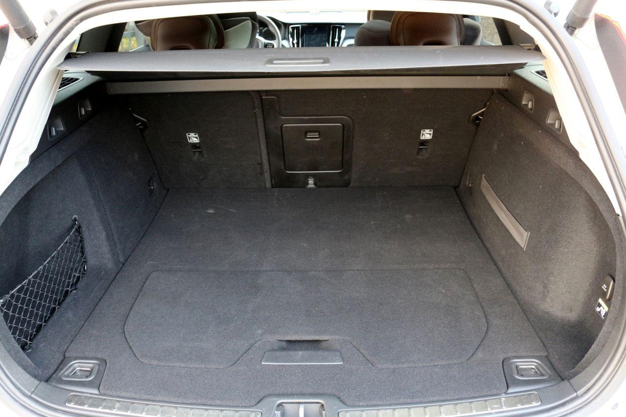 Volvo V60 T6 csomagtartó