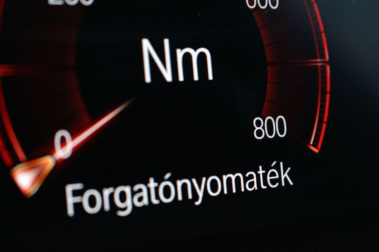 BMW M550d Touring forgatónyomaték