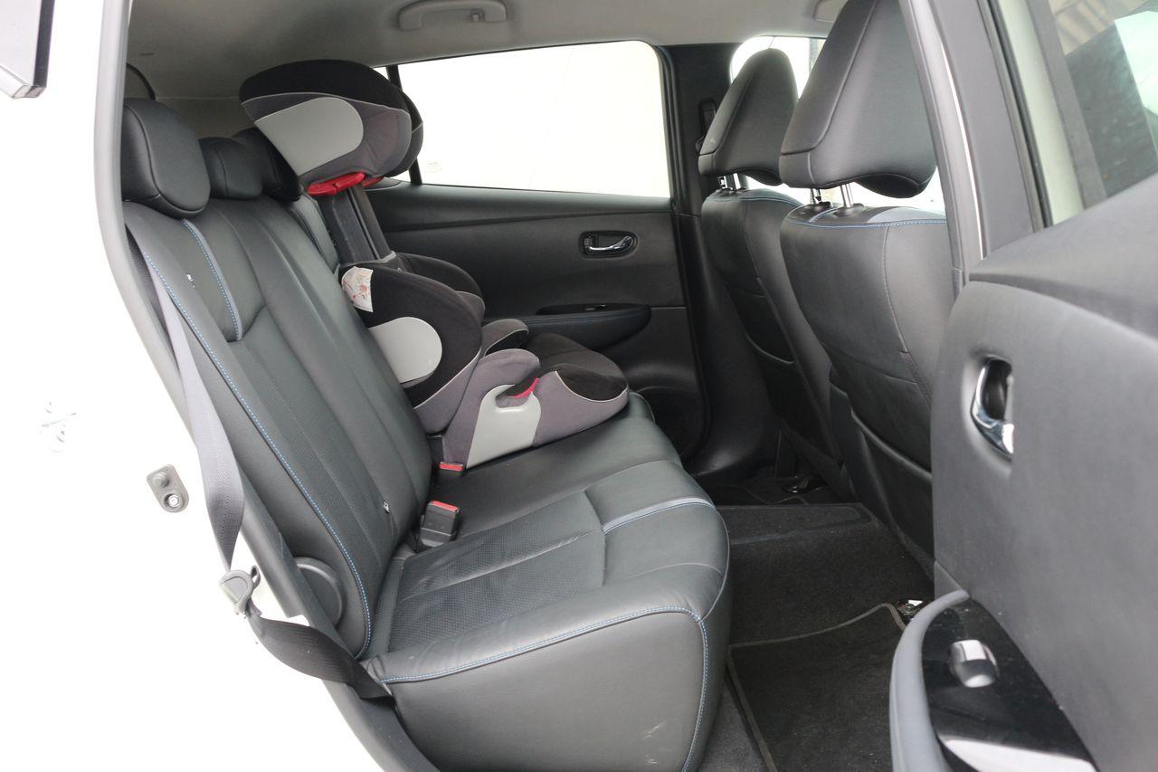 Nissan Leaf helykínálat