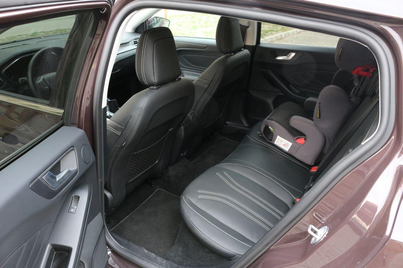 Ford Focus Vignale belső