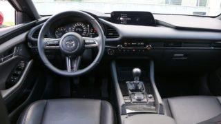 Mazda3 G122 belső