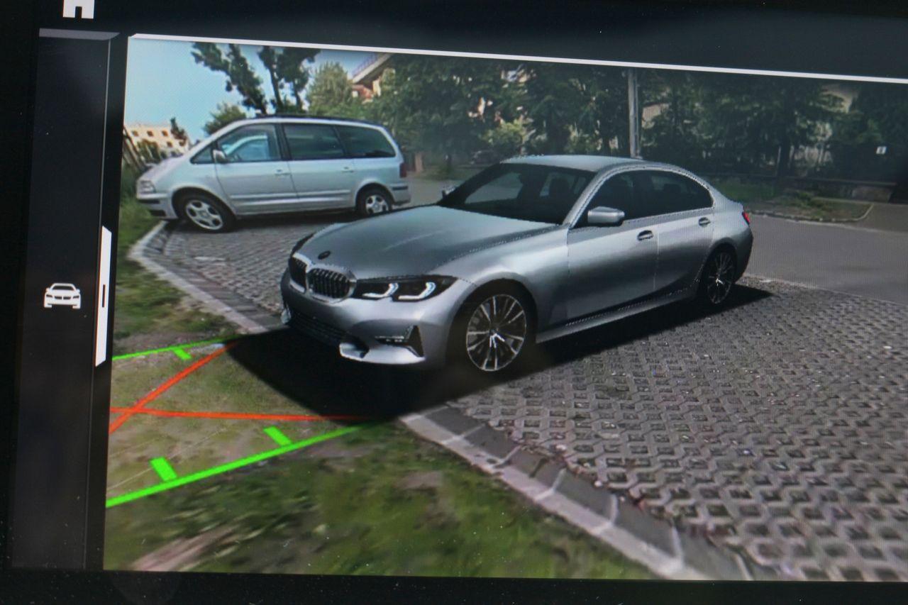 BMW 320D parkolóasszisztens