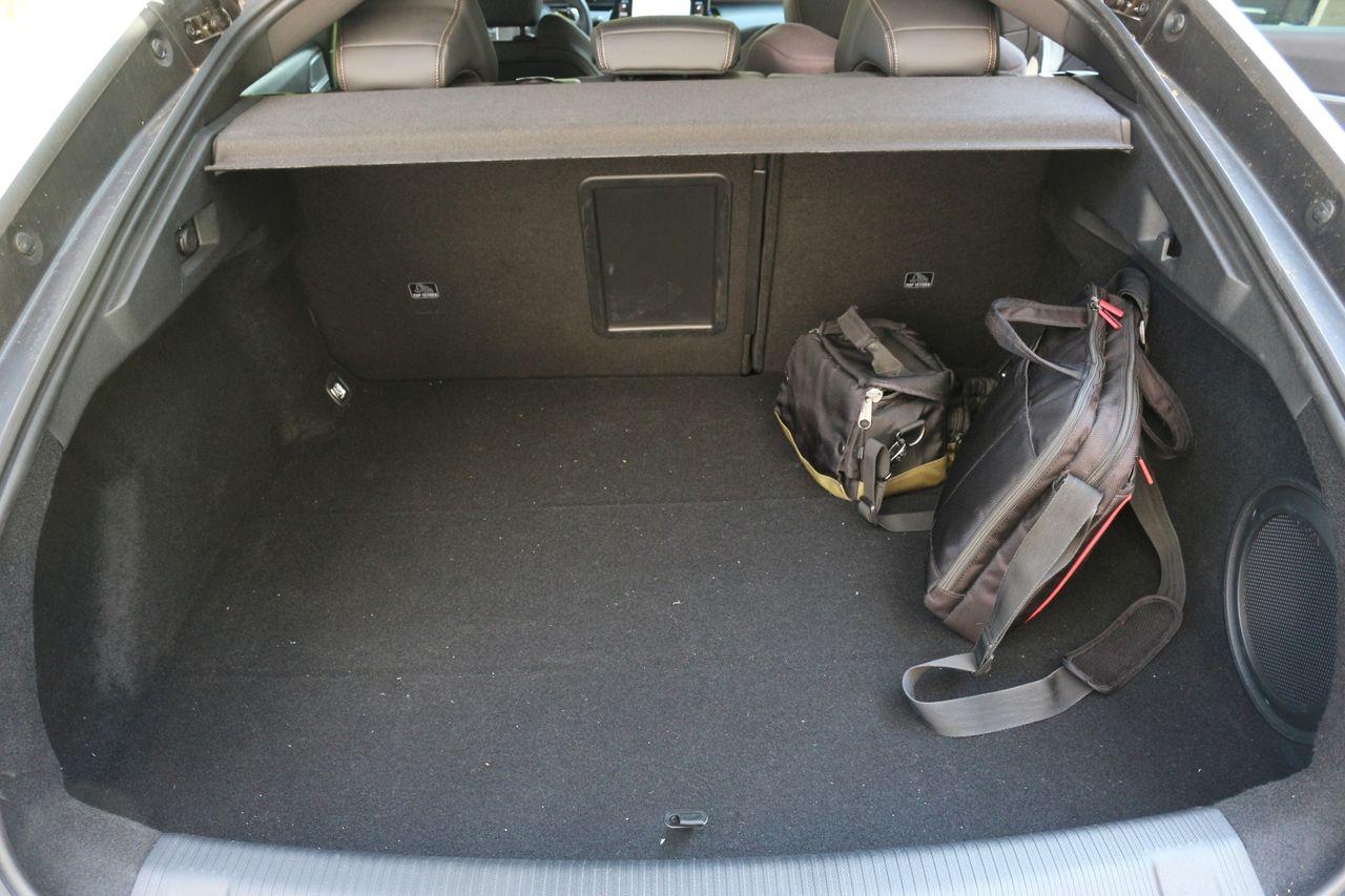 Peugeot 508 csomagtartó