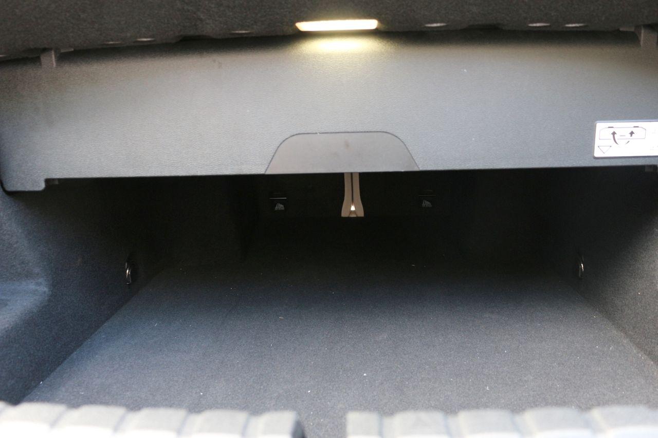 BMW 840D Cabrio csomagtartó