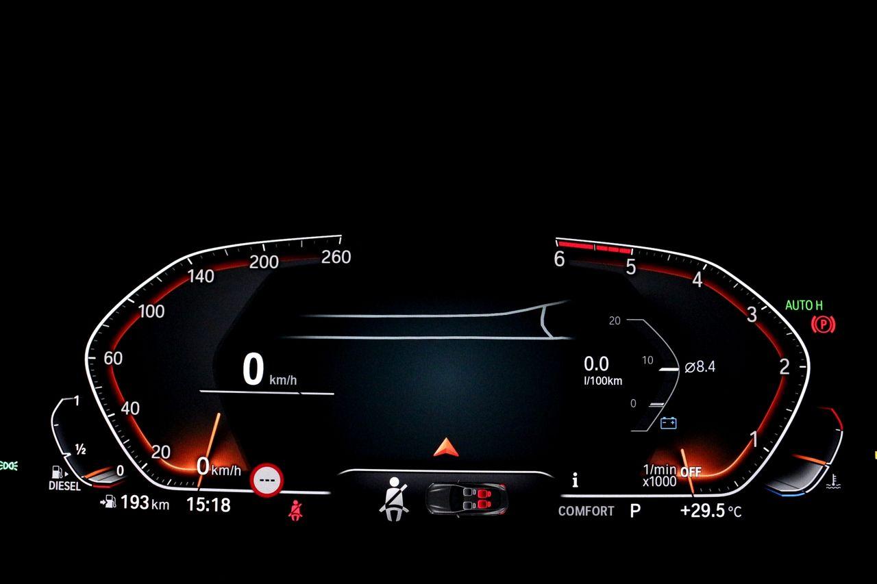 BMW 840D Cabrio műszerfal