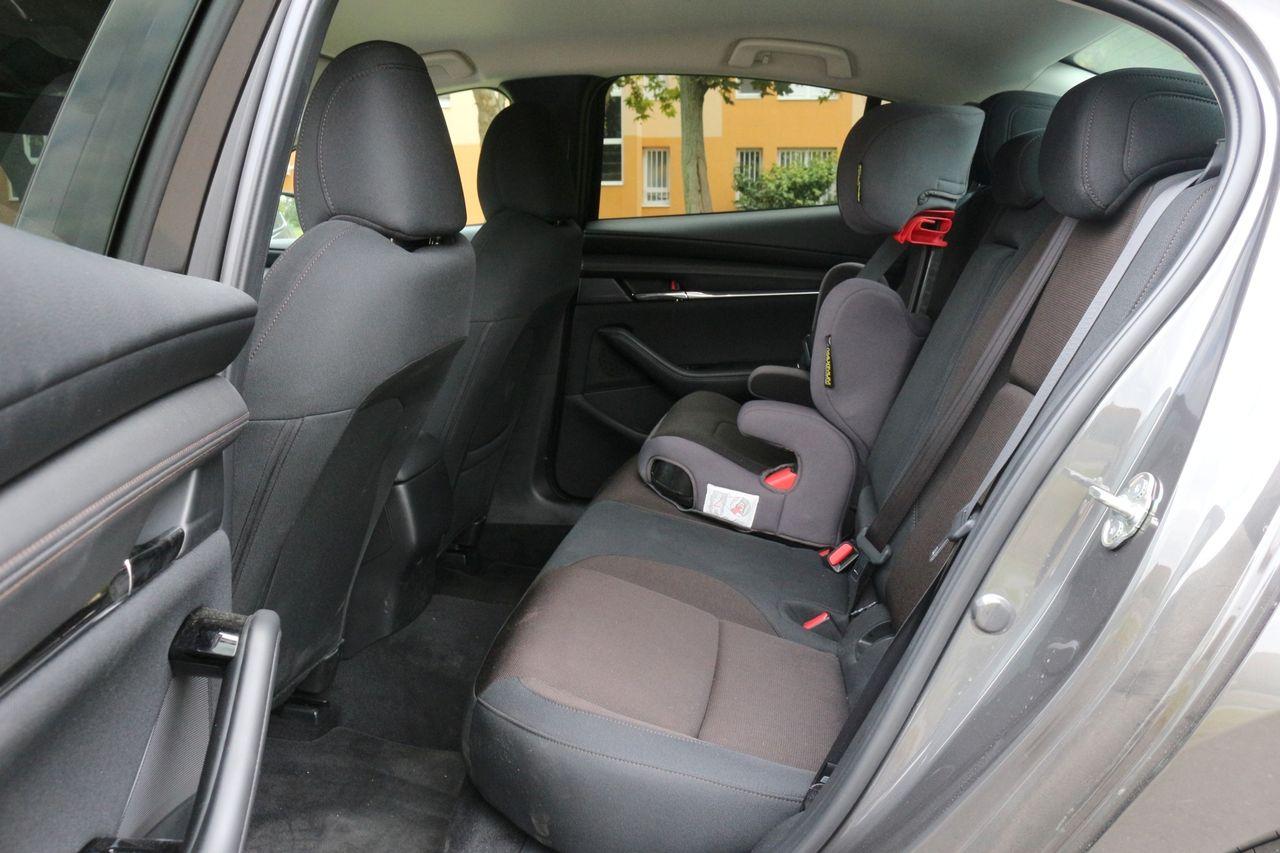 Mazda3 belső