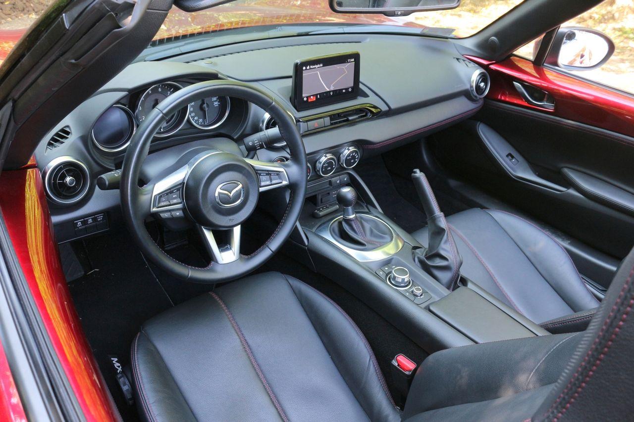 MX-5 belső