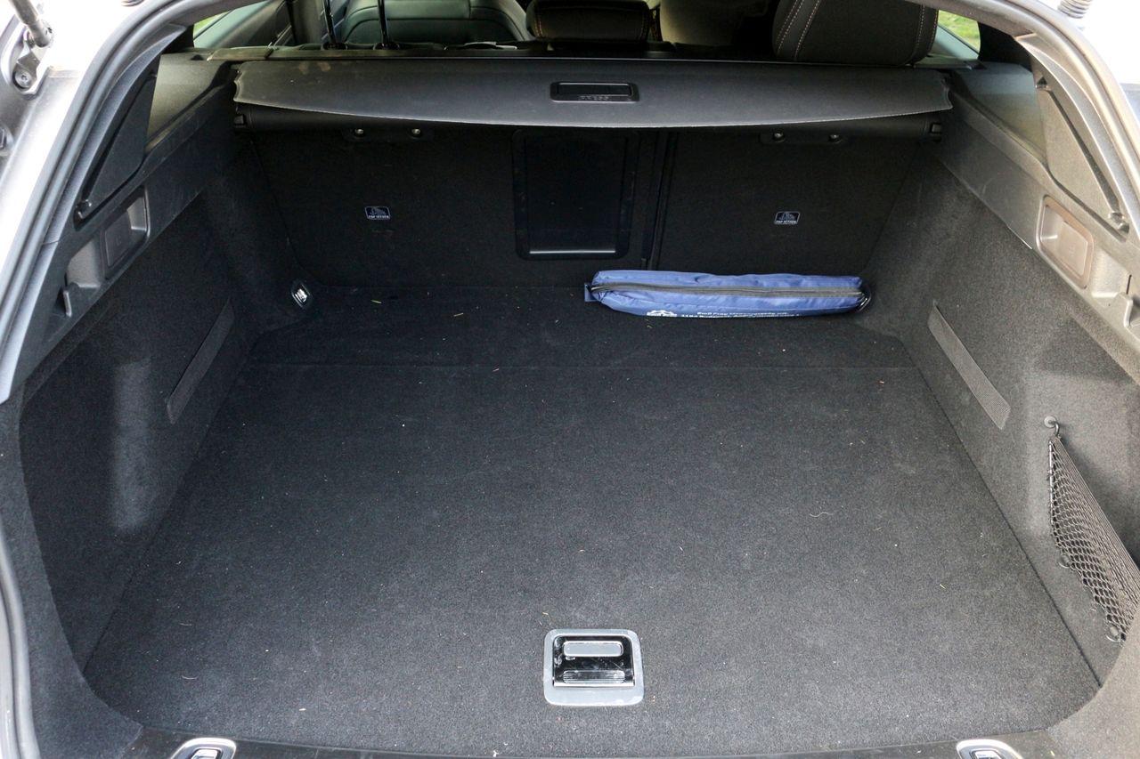 Peugeot 508 SW csomagtartó