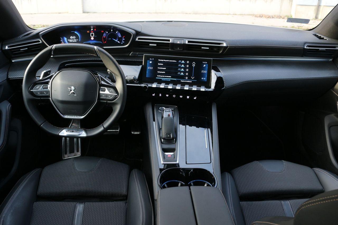 Peugeot 508 SW belső