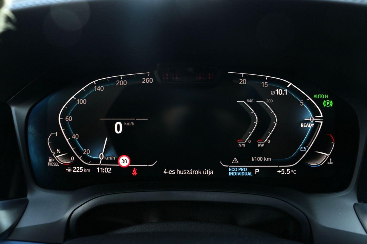 BMW 330d Touring műszerfal