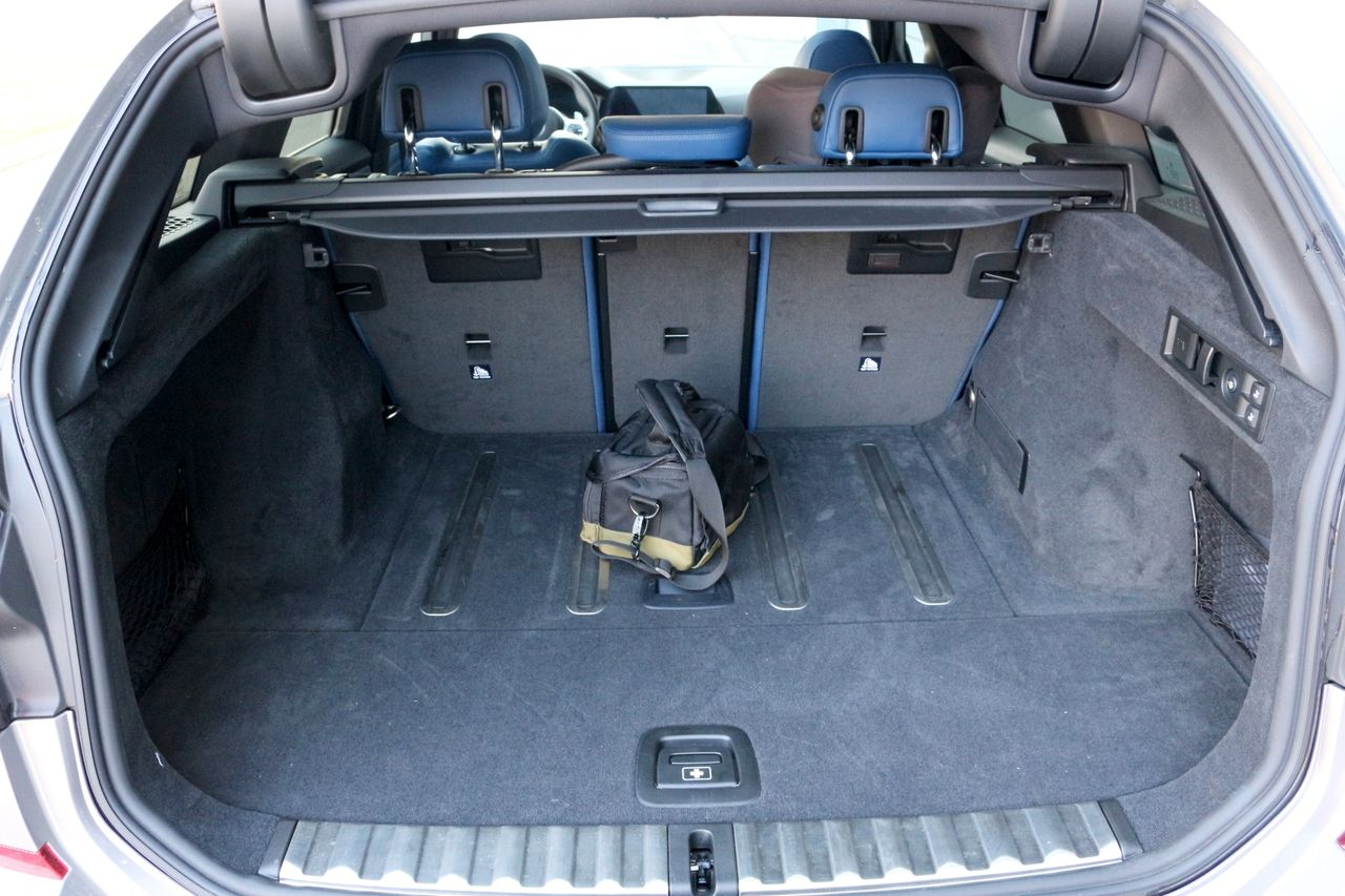 BMW 330d Touring csomagtartó