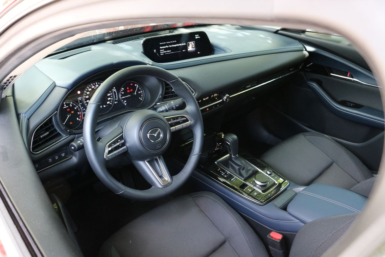 Mazda CX-30 belső