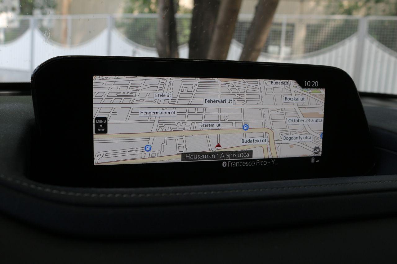 Mazda CX-30 navigáció