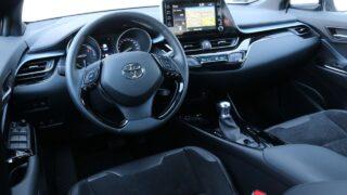 Toyota C-HR Hybrid belső