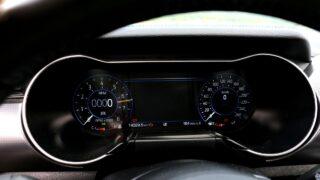 Ford Mustang GT V8 műszerfal