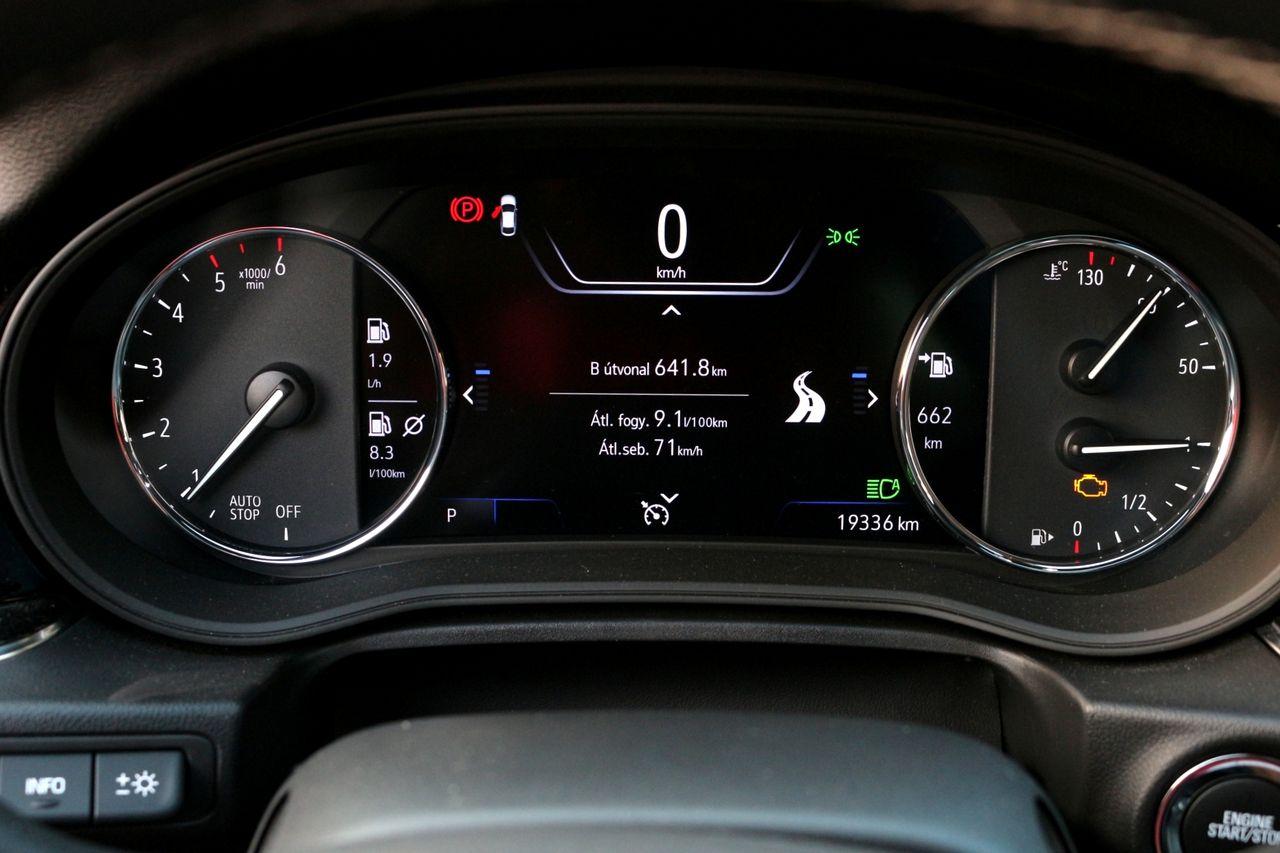 Opel Insignia GSi műszerfal