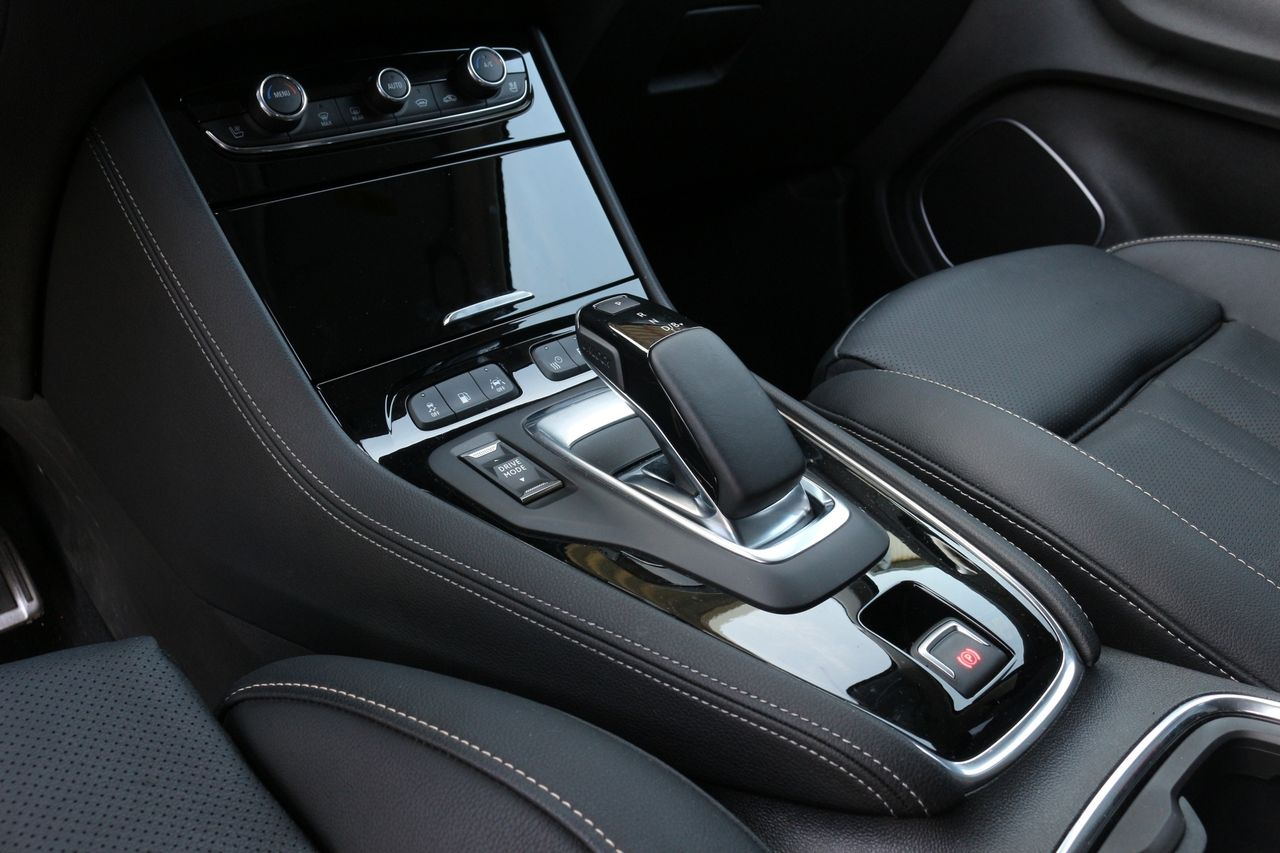Opel Grandland belső