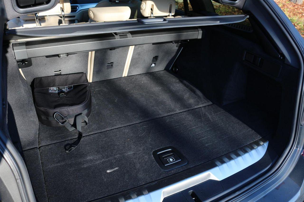 BMW 330E Touring csomagtartó