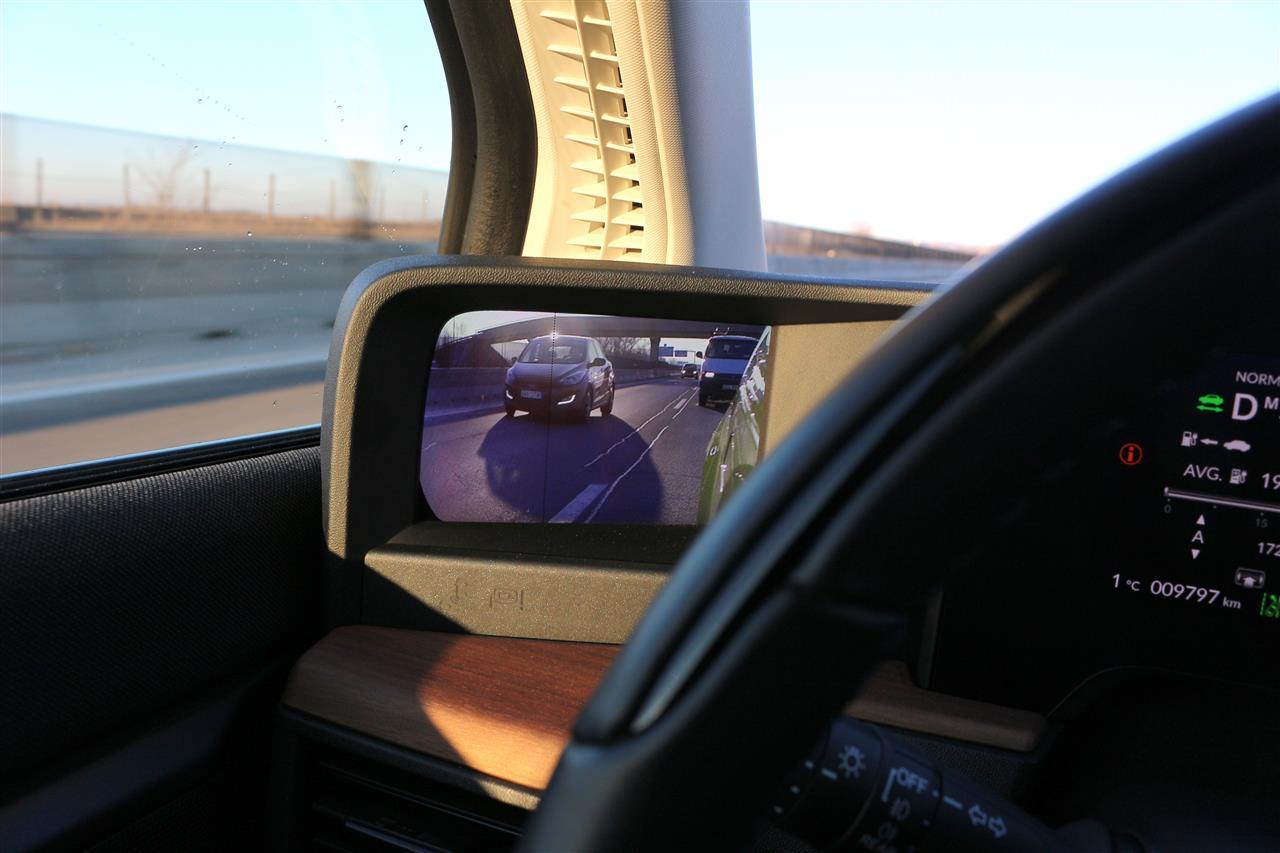 Honda e visszapillantó kamera
