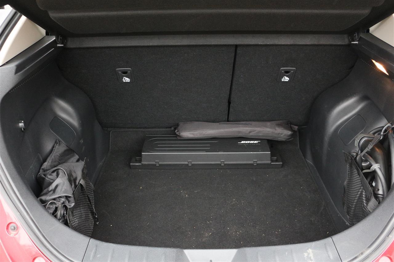 Nissan Leaf csomagtartó