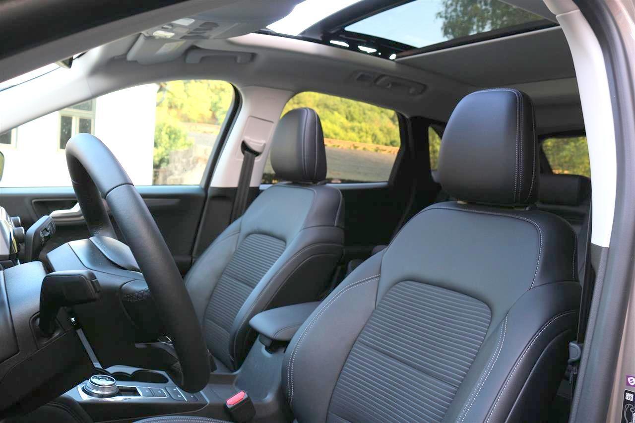Ford Kuga belső