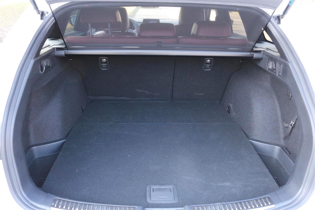 Mazda6 Edition-100 csomagtartó